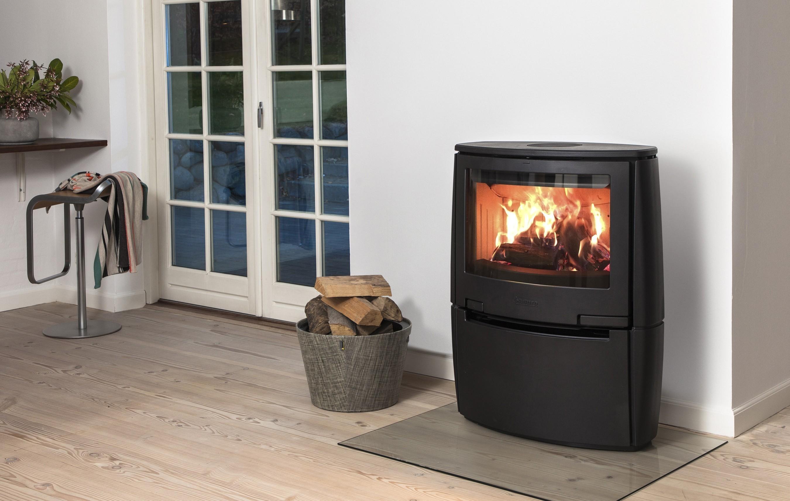 kaminofen aduro 18 gusseisen schwarz 6 5 kw bei. Black Bedroom Furniture Sets. Home Design Ideas